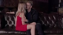 forty-five minutes of a couple making out(descargaryoutube.com)