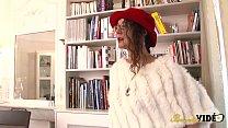 5712 Maria, jolie salope apprend à assumer son corps preview