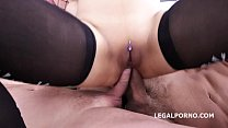 Asian Nympho May Thai and Jessica Spielberg get their Lights fucked out!! Vorschaubild