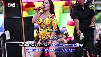 Indonesian Erot ic Dance Two Pretty Singer Wil etty Singer Wild Dance on stage