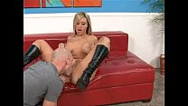 Memphis Monroe fucks with her boots on
