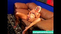 Chubby blonde mature wife howing her sexy body Vorschaubild