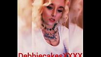 Debbiecakesxxxx singing on Snapchat
