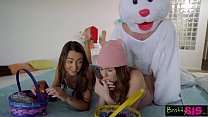 Easter Egg Hunt Gets Bunny Fucked By Hot BFF And StepSis! S4:E10 Vorschaubild