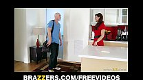 Syren De Mer calls in a plumber to fix her sink & fuck her ass
