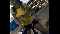 Morena com camiseta do Brasil sentando gostoso ...'s Thumb