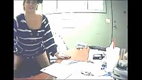 Married Chick Fucks Her Employee at Work - cam19.org صورة