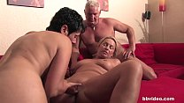 Bbvideo.com Bi german milf fucks a lucky guy in threesome Vorschaubild