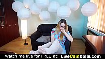 Hot nerdy beauty teasing and dancing live on cam صورة