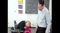 Profesor abusa de su estudiante a cambio de una nota para pasar el semestre