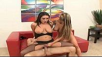Lesbian lovers getting busy on bed Vol. 6 Vorschaubild