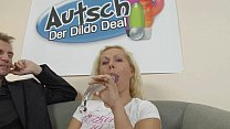 Autsch!! Der Dildo Deal mit Curly thumbnail