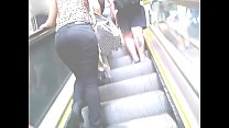 Nice Assets: Ho t Girl Taking The Subway he Subway