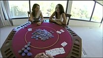 Poker nyepong kontol threesome 2 cewek cantik 1 pria