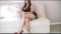 Big Titted Milf Handjob In The Living Room Vorschaubild