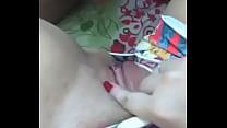 Brincando com a buceta dela