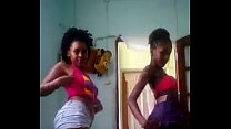 duas cabo-verdiana dançando funk