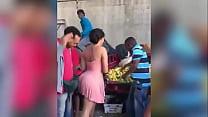 morena sabrosa en el mercado del pueblo casero thumbnail