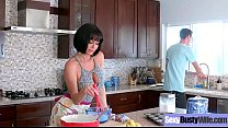 Sexy Housewife (Veronica Avluv) With Big Jugss Nailed Hardcore On Cam vid-25