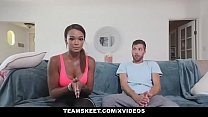 TheRealWorkout - Hot Fitness Vlogger Makes A Se...