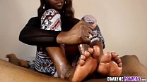 Ebony Feet in Your Face Handjob Vorschaubild