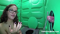 Porta GloryHole Naughty teen in glasses
