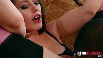 Brunette in stockings loves BBC in her face Vorschaubild