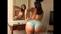 Pretty chubby honey loves to play with her fat ...