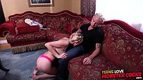 Huge dick slamming busty teen slut Iris Rose until she cums Vorschaubild