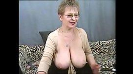 Hot mature granny masturbate on cam