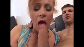 Mature Mom fucks and plays with her wet pussy - tightpussycam.com