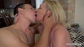 Nanny gets her pussy tasted by a hot cock