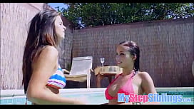 Two Teen Girl Cousins Fuck Each Other