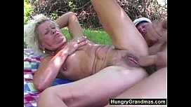 outdoorgranny porn xxx
