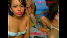 Sexy girls playing on webcam tightandho om