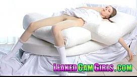 Skinny Teen Girl Shows off Her Nice Body leakedcamgirls.com