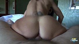 Ava Addams, milf aux seins &eacute_normes veut une bonne baise