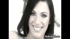 Its a wonder the beautiful brunette  Juelz Ventur