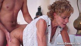 Sensual yo Hairy Granny Madie ea