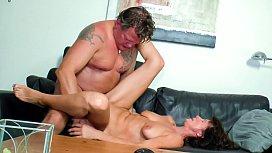 REIFE SWINGER - German brunette in hot mature amateur sex