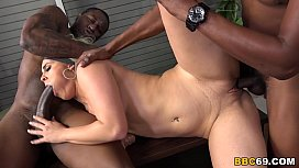 Brooke Summers enjoys threesome with BBCs