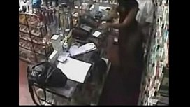 Real ! Employee getting a Blowjob Behind the Counter http://www.clictune.com/id= sex image