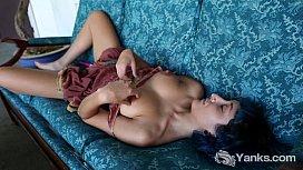 Hottie Jay Toy Her Snatch For Orgasm