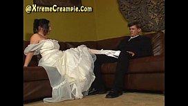Cuckold Creampie Eating Threesome