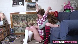 Girls Out West - Hairy and skinny Aussie lesbian chicks