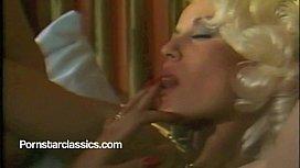 Vanessa and Seka classic lesbian pussy licking !