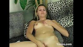 Beauty Yanks Babe Jessica Masturbates