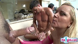 Hot housewife blowjob i uction