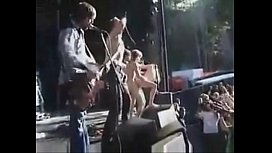 performance of the band cumshot sex on stage