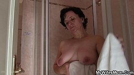 Shaggy-pussy old mother inlaw